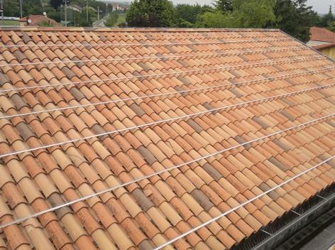 4)-Elettrostatico-Sistema-elettrostatico-su-tetto-molto-infestato-dai-colombi